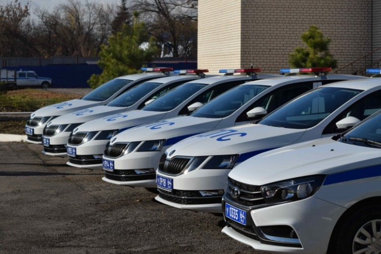 Балаковская госавтоинспекция будет догонять нарушителей на новеньких Skoda Octavia и Lada Vesta
