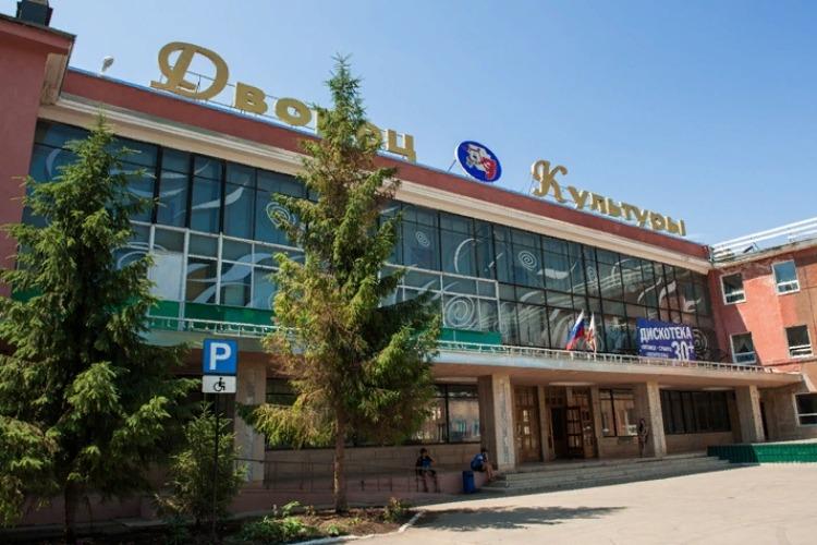 Дворец Культуры определил самую вдохновляющую бабушку Балакова