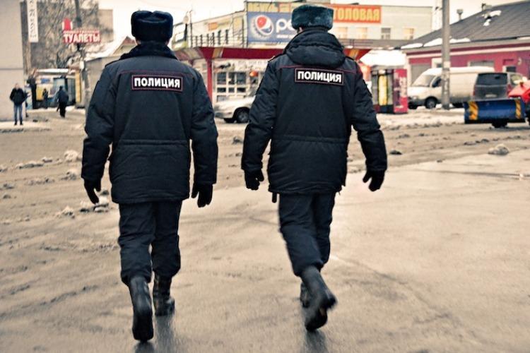 Полицейские согласились прекратить избиение задержанных за взятку