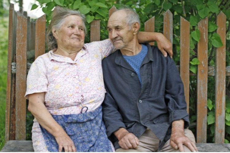 В Балаковском районе 668 жителей имеют сельскую надбавку к пенсии. Как ее получить?