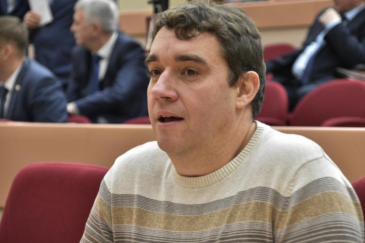 Он охраняется шестым управлением. Самый эпатажный политик Балакова Александр Анидалов отмечает день рождения