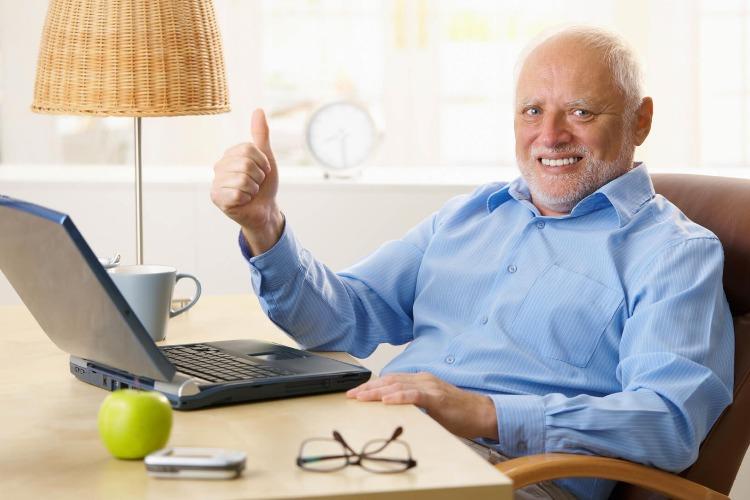 Работающим пенсионерам 65+ оплатят еще 2 недели самоизоляции