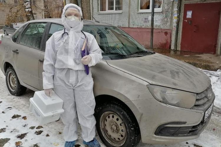 Неотложка Балакова получила новый транспорт при поддержке депутата Панкова