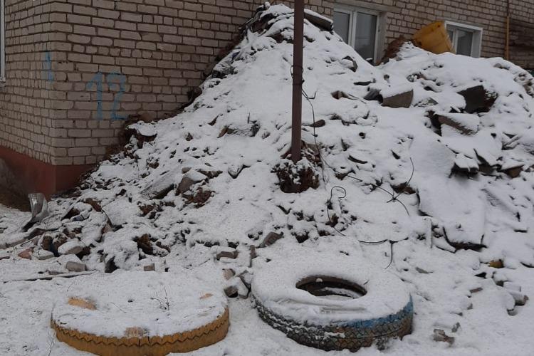 Убрать регоператору растительный мусор помогут отделения партии власти на местах