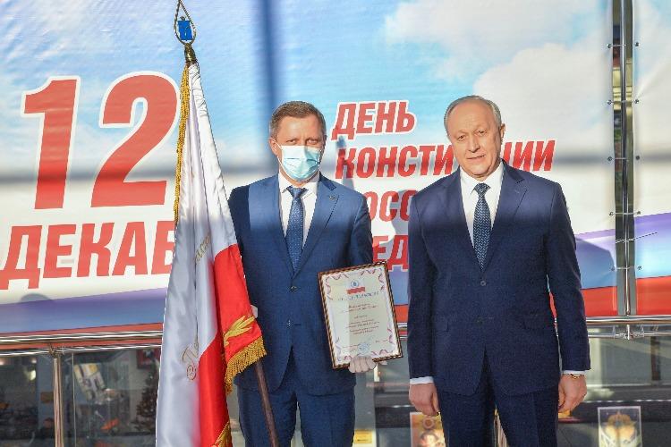Металлургический завод Балаково получил переходящий штандарт губернатора Саратовской области