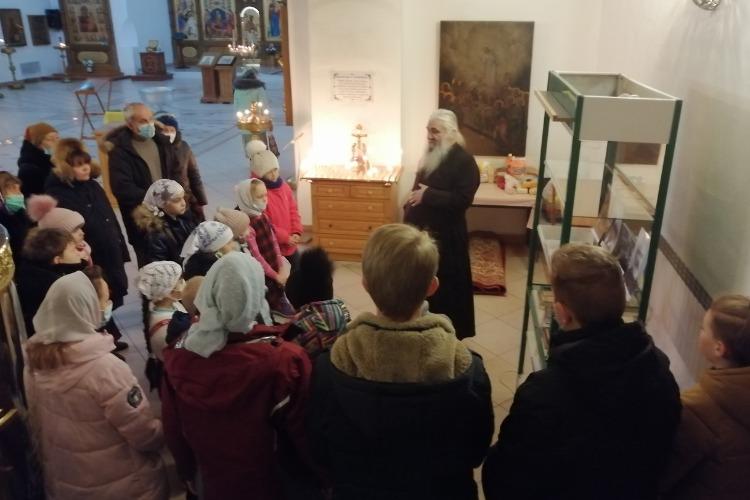 В Балакове открылась выставка о святом праведном Александре Чагринском