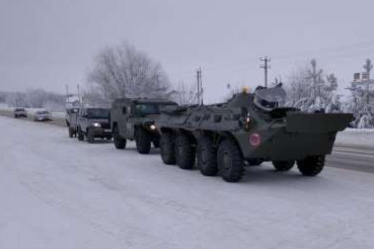 Автобронепробег движется из Саратова в Керчь со скоростью 70 км/час