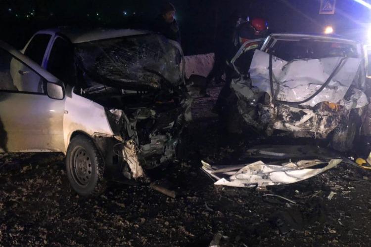 В вечерних сумерках на дороге погибло сразу три человека