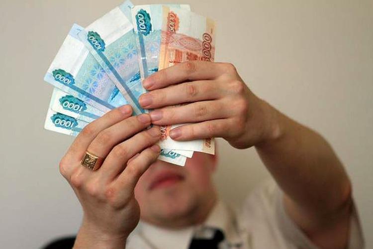 Житель Балакова незаконно потратил путинские выплаты детям на погашение автокредита