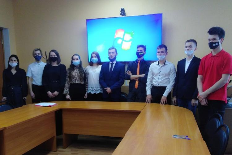 Балаковским чиновникам подготовили дублеров из числа студентов