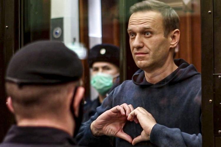 Главное, чтоб все были живы и здоровы. И далеко не только Навальный
