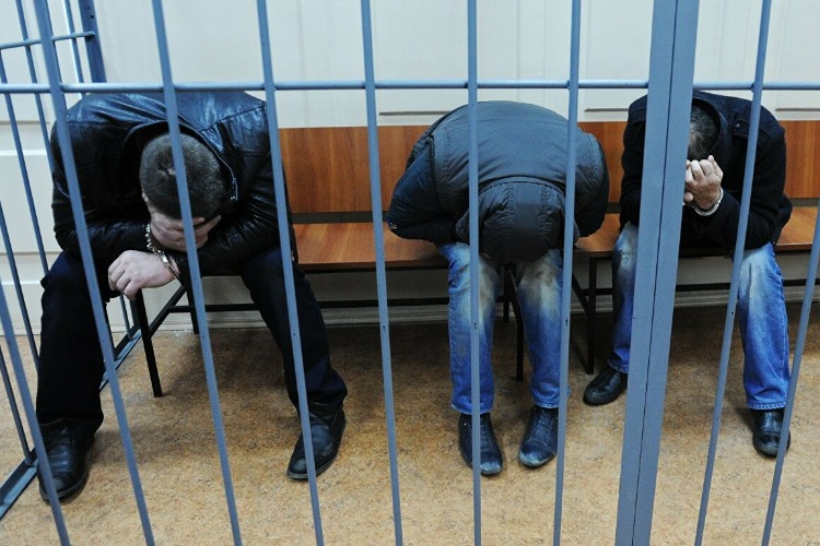 В Балакове суд над гаишниками-взяточниками перенесли в 14-й раз