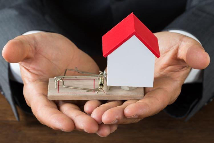 При продаже квартиры попала на мошенников