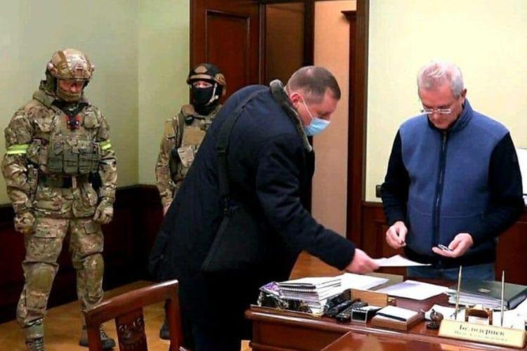 Пензенский губернатор въехал в Москву на комфортабельной взятке