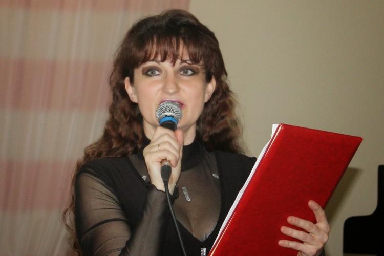 Жительница Балакова попала на областную Доску почета работников культуры