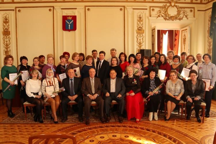 Балаковских деятелей культуры поздравили в особняке Мальцева