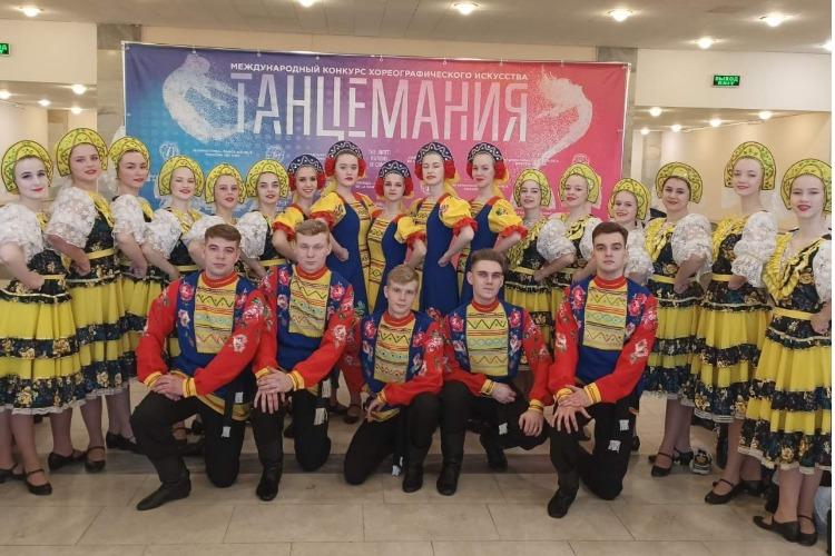Знай наших! Балаковские танцоры едут в Париж