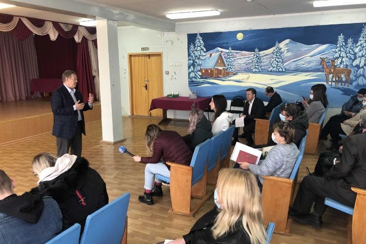 Депутат Госдумы Николай Панков проводит встречу в БЭТе. Прямой эфир