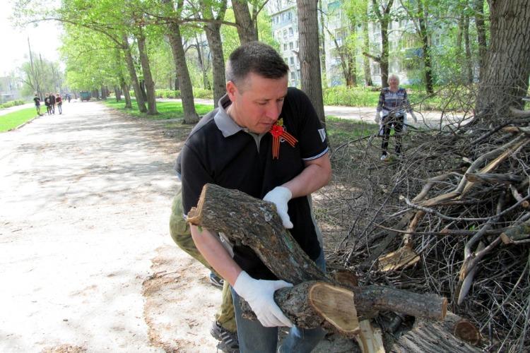 Власти помогут вывезти мусор после субботников в Балаковских дворах
