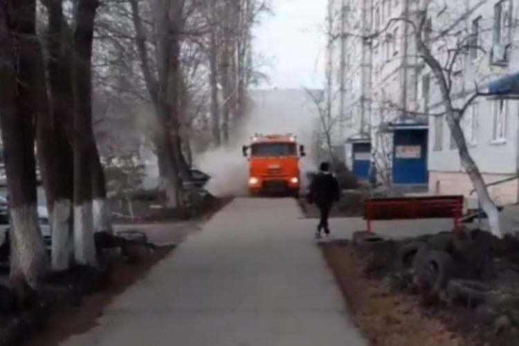 Пылеразгонятели коммунальщиков вновь вышли на дороги Балакова