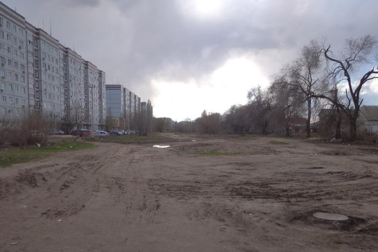 На выселках Захаровых. Как местный люд относится к обещанной большой дороге