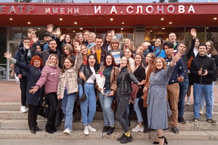 Студенты из Балаково взяли Гран-при Студенческой весны