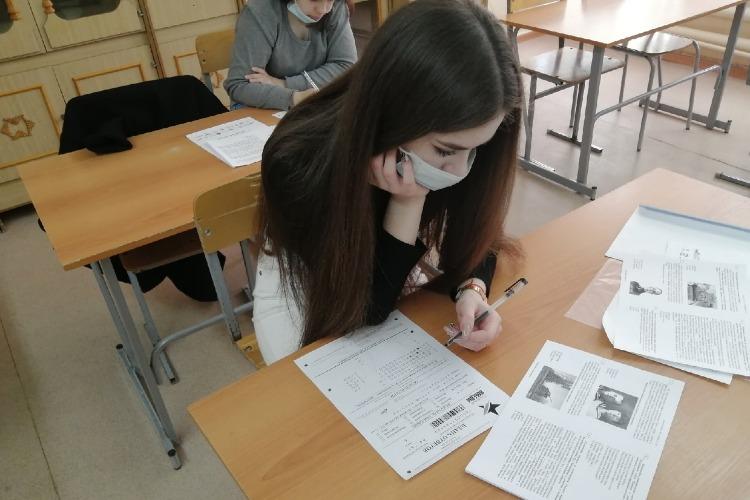 В школах Балакова написали Диктант Победы