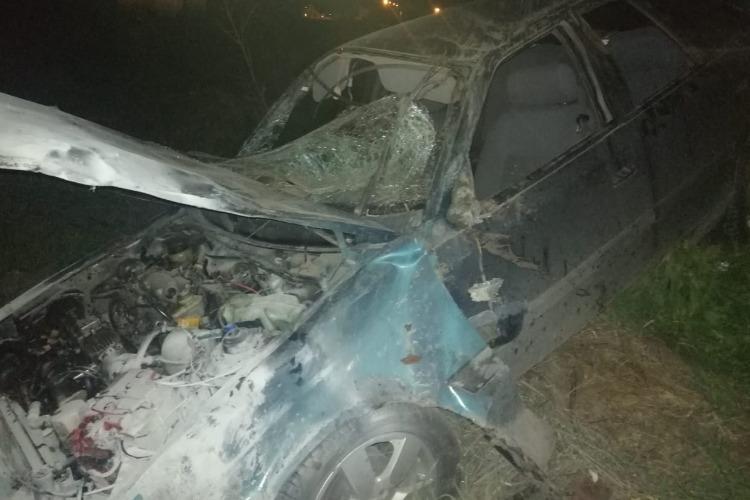 В Балаково Daewoo улетела в кювет. Водитель погиб, пассажирка в больнице