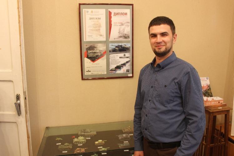 В Балаково открылась выставка моделей танков Игоря Вдовина. Наш фоторепортаж