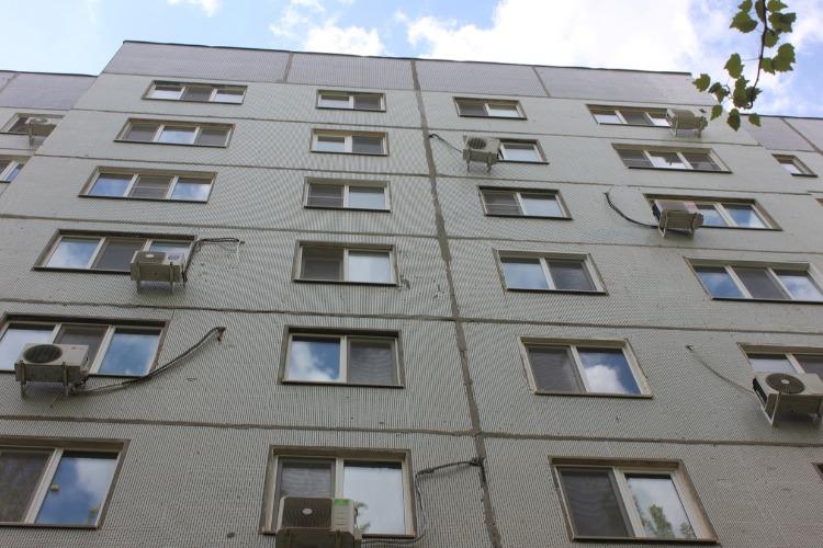 В Балаково мужчина погиб при падении с 9 этажа