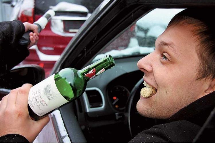 Балаковские инспекторы поймали 4 пьяных водителей в День Победы
