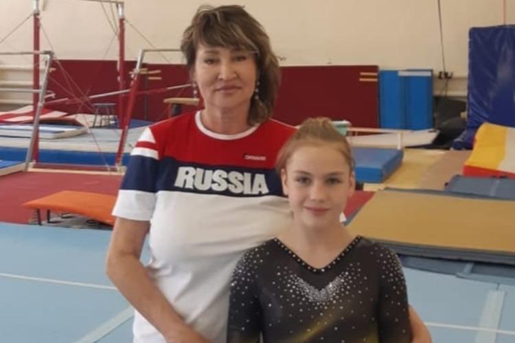 Наша Даша зашла на верхнюю ступень пьедестала в гимнастическом многоборье