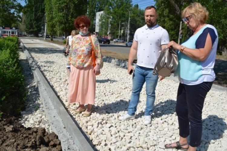 До тротуаров и дорог Балакова есть дело только общественникам?