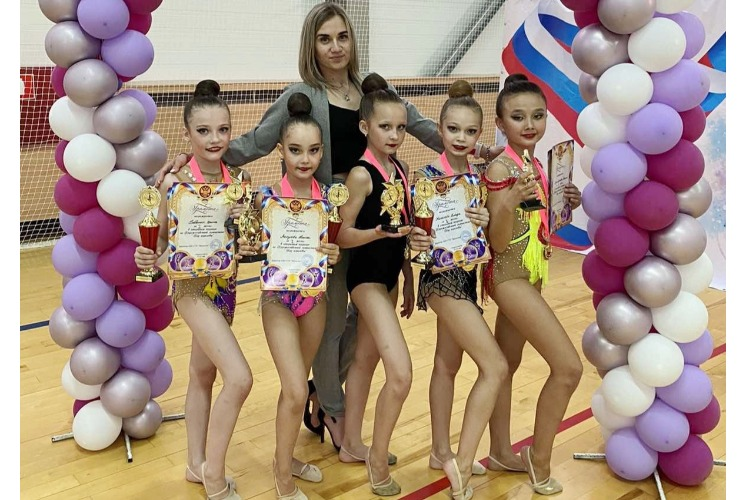 """Особенно хороши были наши девчата из """"Олимпика"""" в групповых упражнениях"""