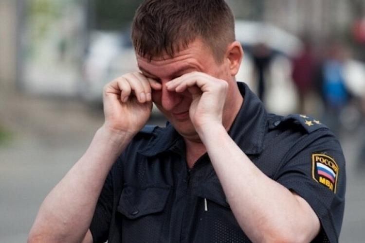 Пьяный балаковец избил 2 сотрудников полиции. Приговор