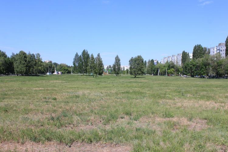 Обещанные работы по строительству парка между 5 и 8 микрорайонами еще не начаты