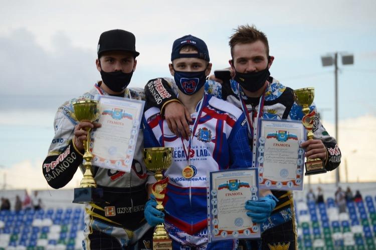 Балаковцы взяли серебро и бронзу на всероссийском первенстве среди юниоров