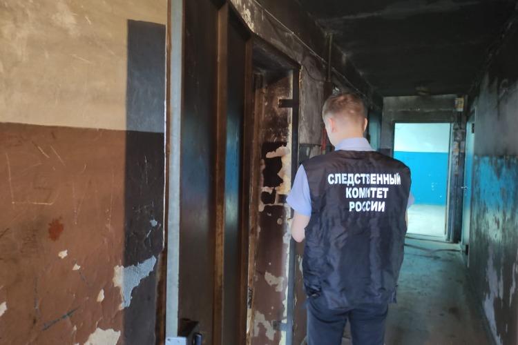 В балаковском общежитии нашли тело зарезанной женщины