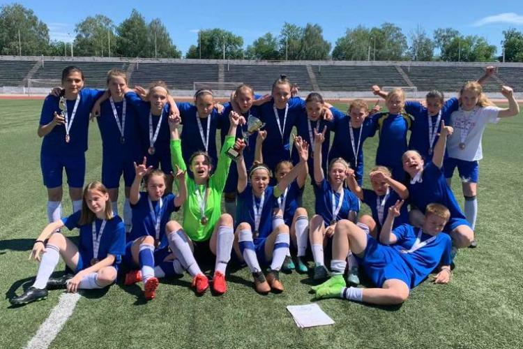Балаковские девчата привезли бронзу из футбольного Салавата