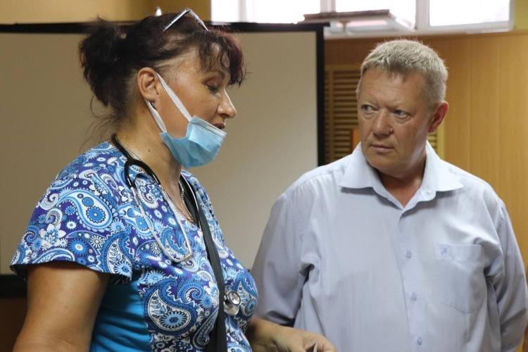 Николай Панков предложил свозить в цирк детей сотрудников скорой помощи