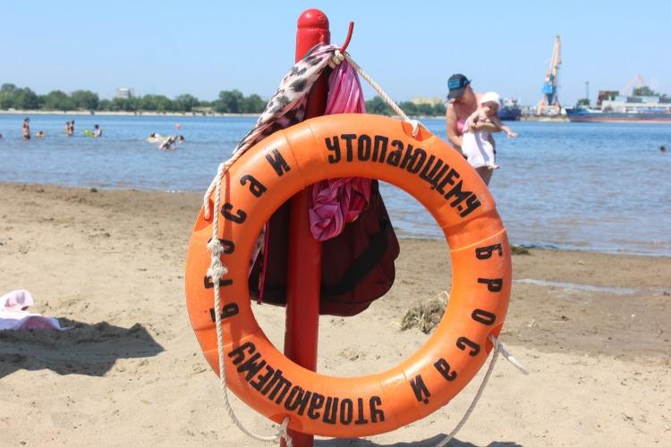 Нам почистят озеро Лебяжье. Городской пляж Балакова так и будет тонуть в тине