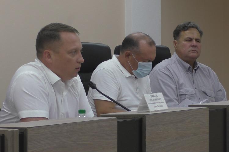 Депутаты решили поставить на место коммерческие УКашки