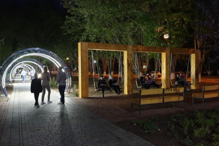 Нашествие тараканов на бульваре Роз застало чиновников врасплох