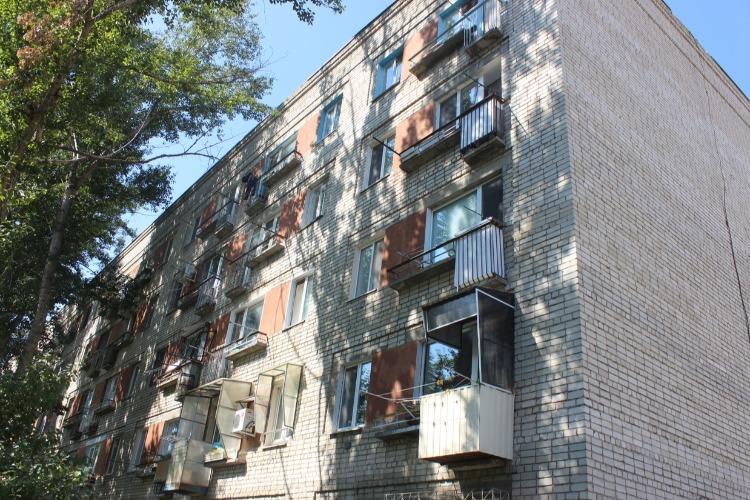 В Балаково мужчина скончался после падения с 5 этажа
