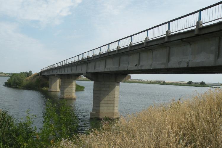 Из-за закрытого на полтора года моста маршруты на Духовницкое изменились и подорожали
