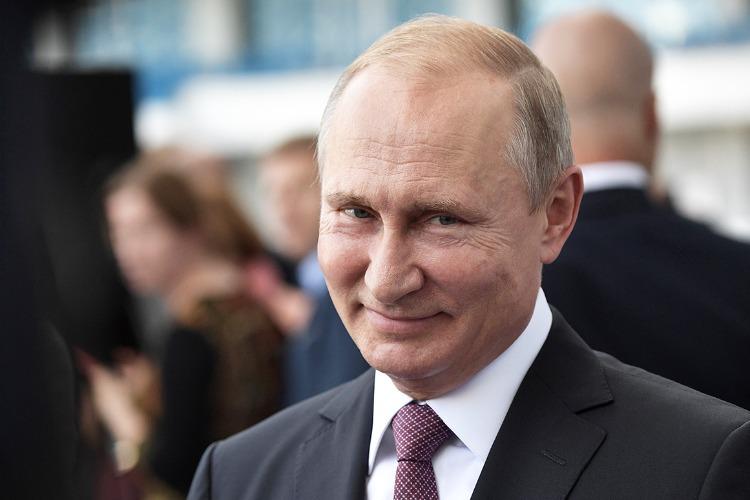 В Балаково пенсионеры начали получать обещанную президентом выплату