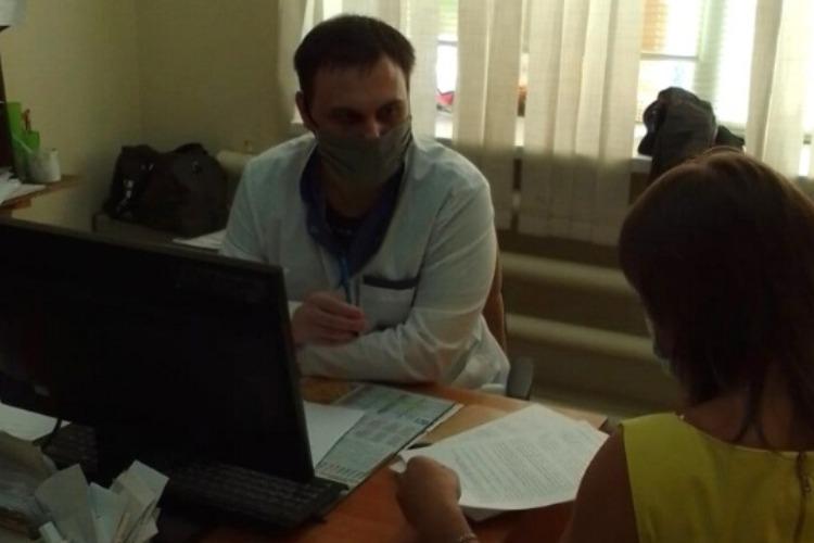 Балаковские доктора провели прием пациентов в Ивантеевке, где со специалистами просто беда