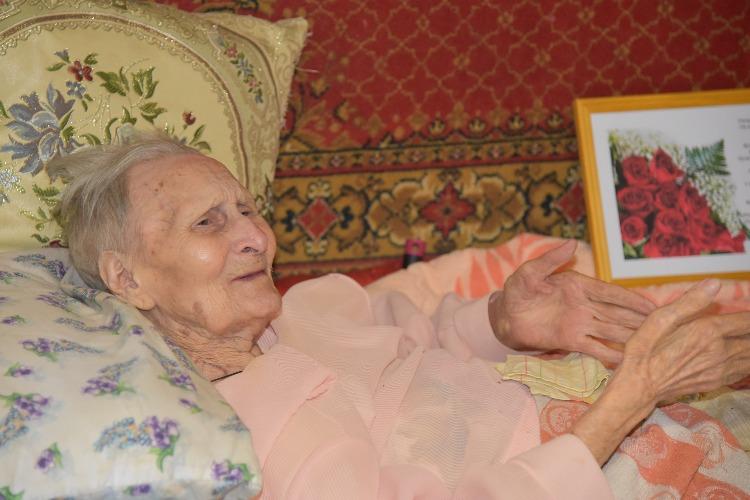Ветеран труда из Балаково отмечает вековой юбилей