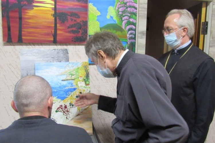 Диакон живописец провел культзанятие для осужденных