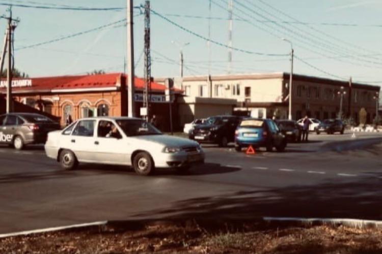 В замесе из трех авто в жилгородке пострадал один балаковец